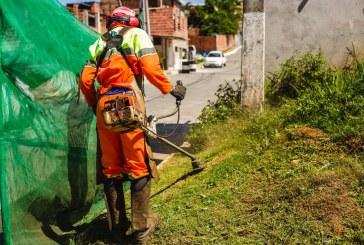 Prefeitura realiza mutirão de limpeza no residencial Leila Diniz e desinfecção em órgãos públicos