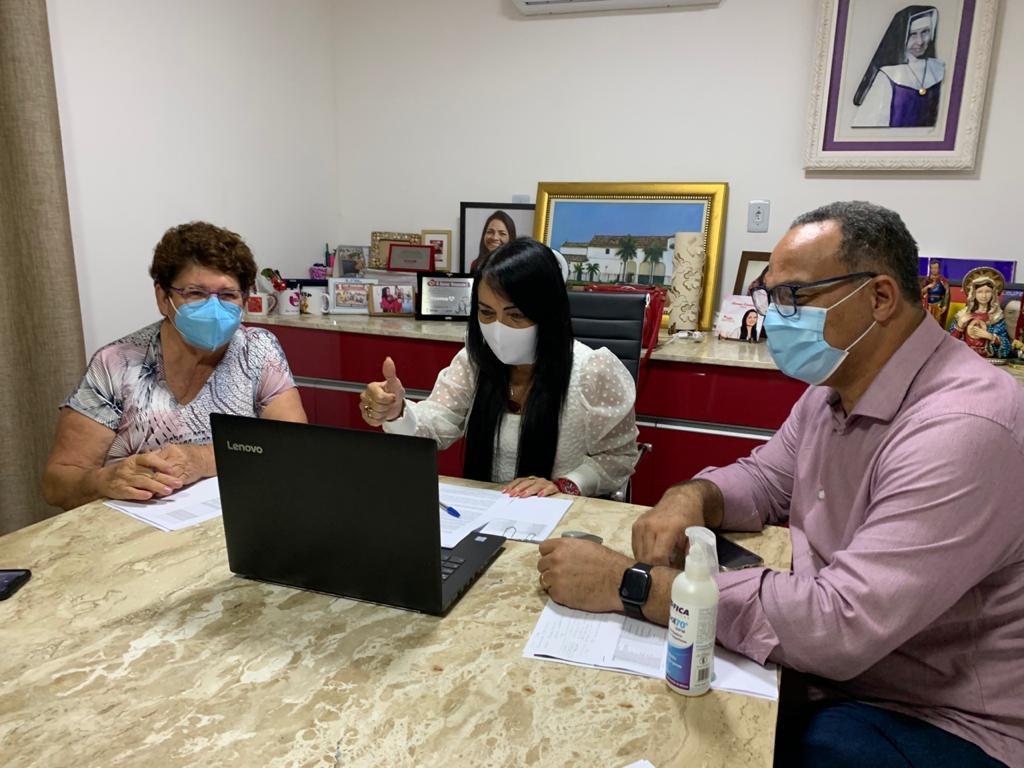 Lauro de Freitas e mais 11 municípios decidem não marcar data para retorno às aulas presenciais