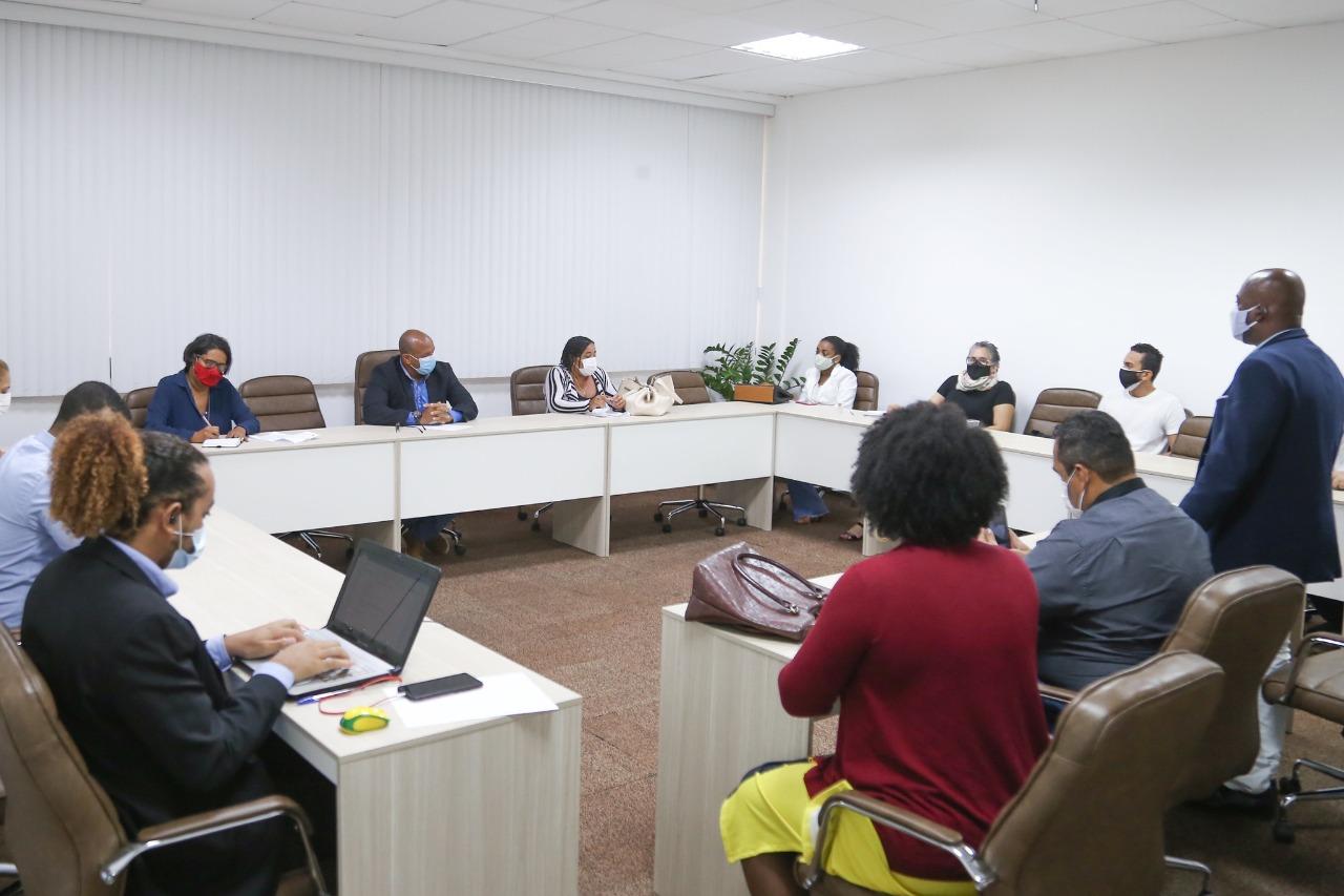 Prefeitura dialoga com lideranças do Residencial Leila Diniz para desenvolvimento de ações na comunidade