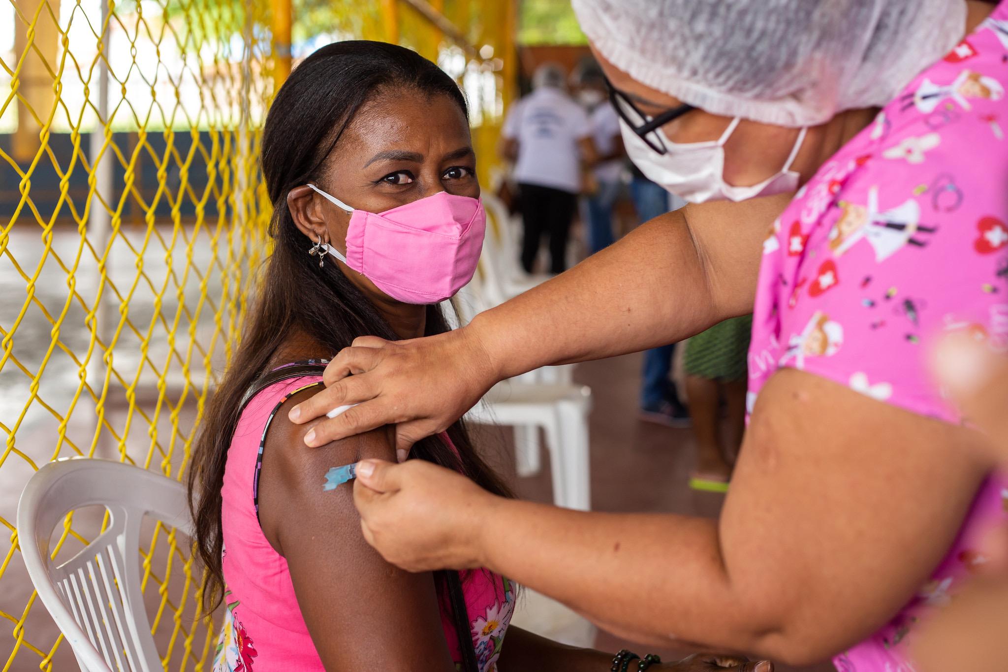COVID-19: Lauro de Freitas amplia público da vacinação nesta sexta-feira (07). Pessoas com 59 anos ou mais e pessoas com comorbidades acima de 18 anos poderão ser imunizadas