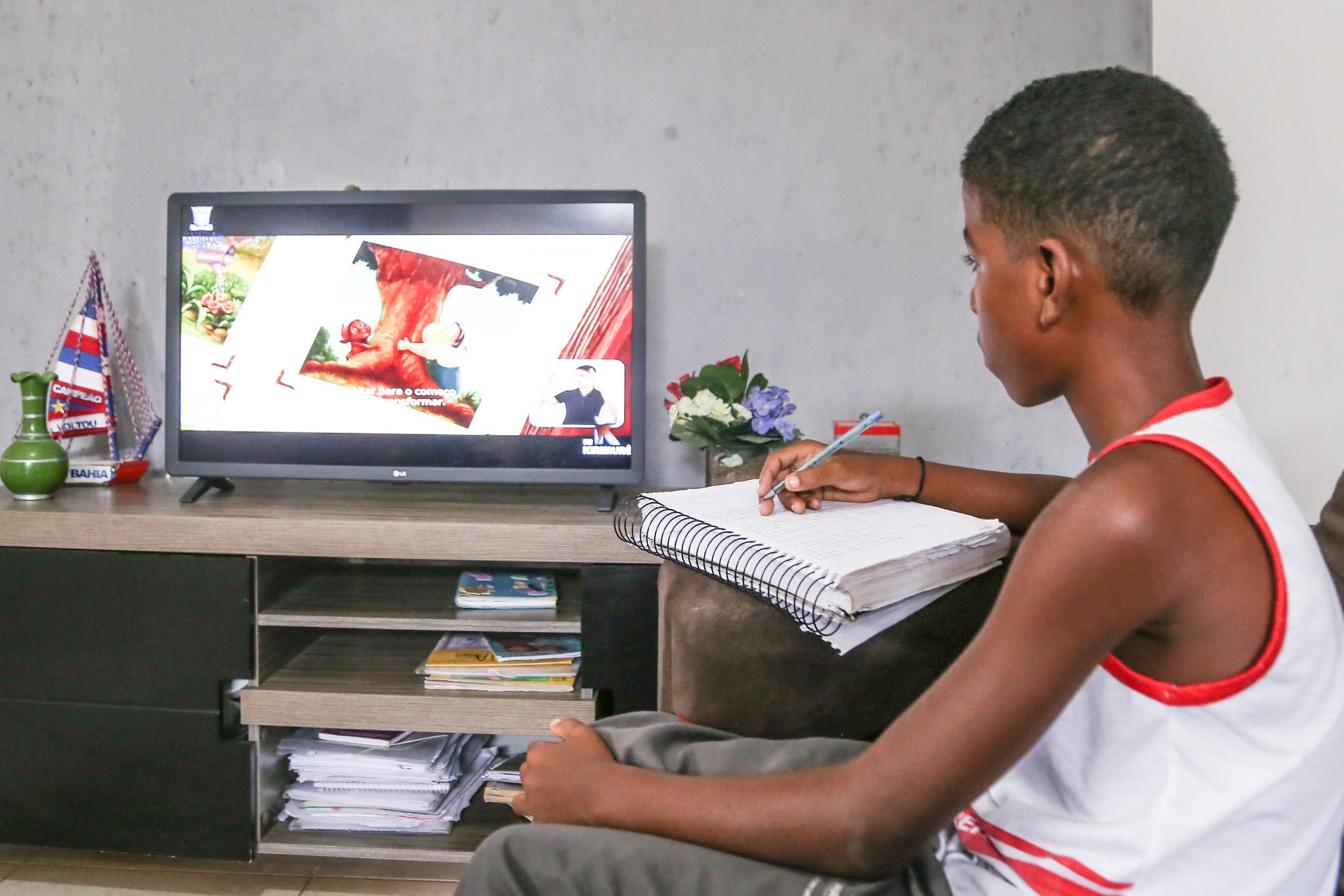 Matrículas de estudantes novos para a rede municipal de Lauro de Freitas estão suspensas
