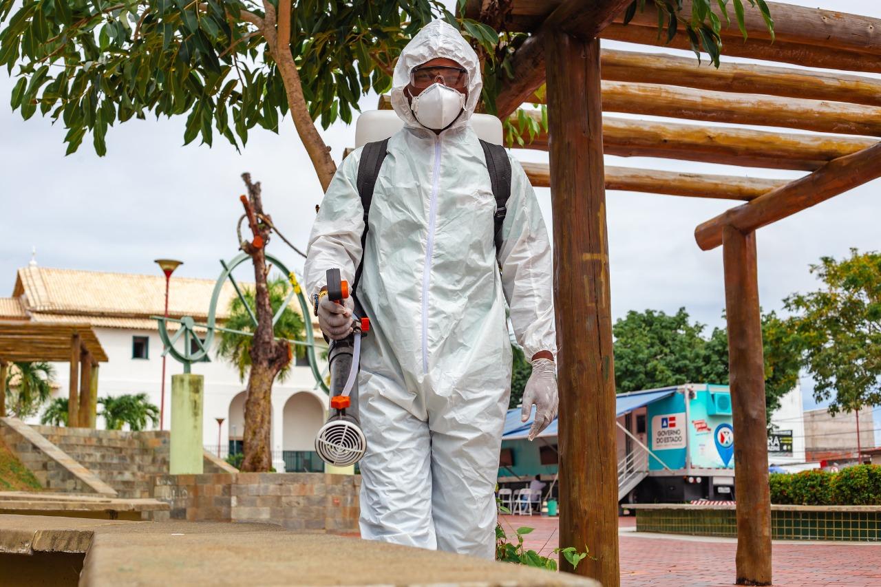 Lauro de Freitas reforça desinfecção em órgãos públicos e locais de grande fluxo de pessoas