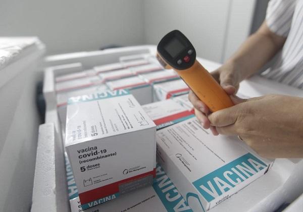 Mais 366 mil doses de vacinas da Astrazeneca/Oxford chegam à Bahia