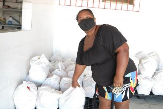 Prefeitura entrega cestas básicas para assistidos do CRAS Itinga II e intensifica ações de combate à insegurança alimentar