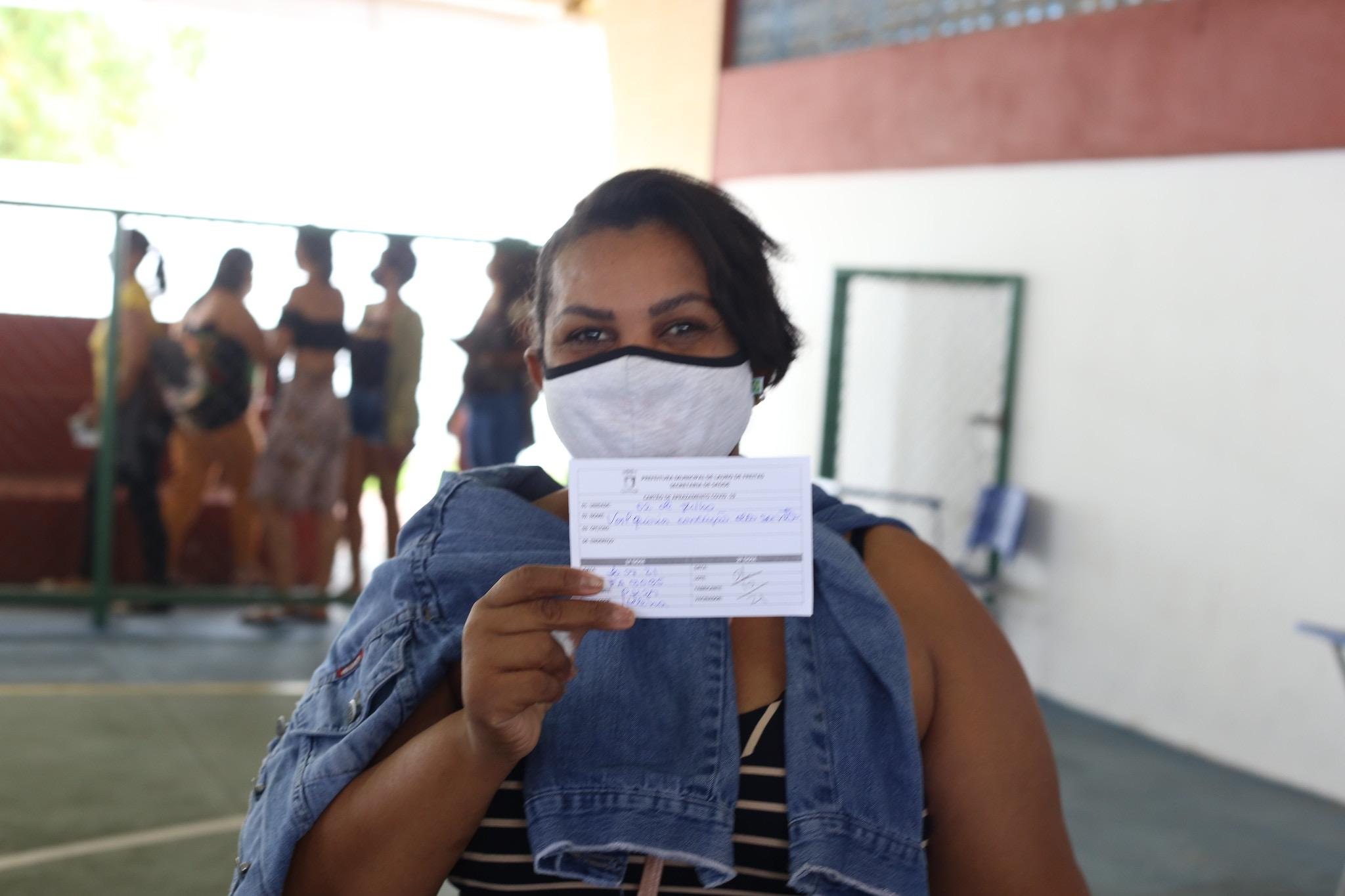Vacinação de segunda dose da Oxford/astrazeneca será retomada em Lauro de Freitas nesta segunda-feira (12)