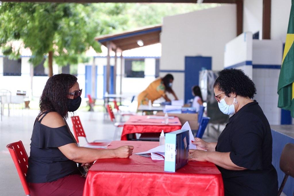 Prefeitura de Lauro de Freitas já distribuiu tablets para professores de seis pólos educacionais