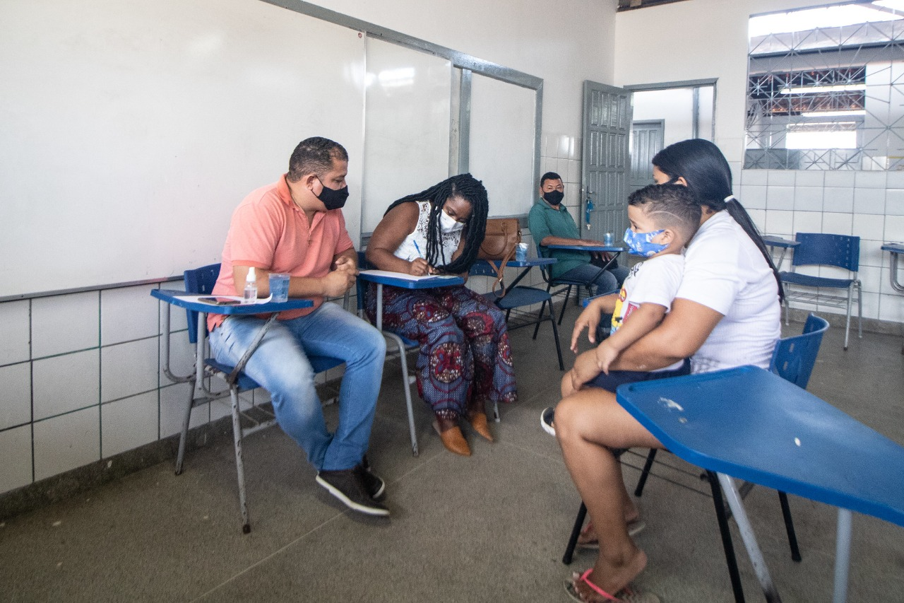 Venezuelanos que moram em Lauro de Freitas são cadastrados para triagem da realidade socioeconômica
