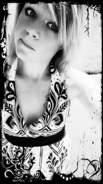 blonde_bw