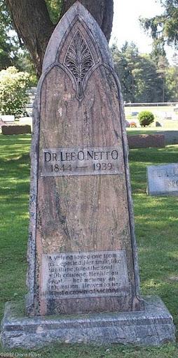 Lee-o-netto_cemetery1