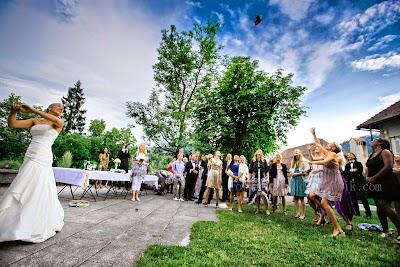 fotozate@tadejbernik.com-porocni-fotograf-destination-wedding-photographer- bride-groom-slovenia-ljubljana-fotografiranje poroke (3).jpg