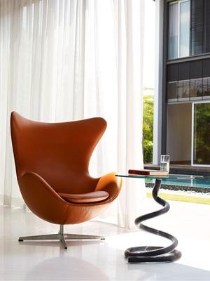 silla-y-mesa-de-diseño