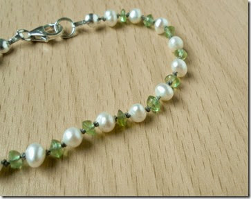 Peridot and Pearl Knotted Bracelet