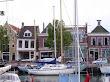 Zusjes naast elkaar in de Noorderhaven.jpg
