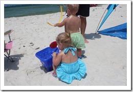 beachtrip2013-maddie 3 month 006