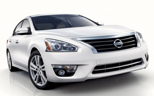 2013-Nissan-Altima-Sedan-3[5]