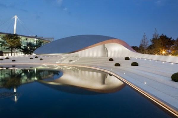 porsche-pavilion-by-henn-architects