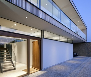 hurst-house-by-john-pardey-architects-and-strom-architects
