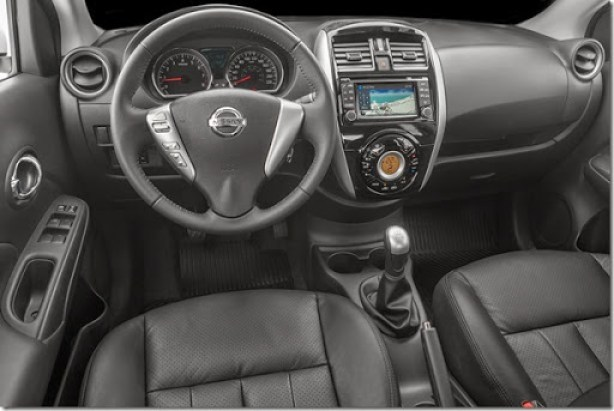 Nissan Novo Versa 1.6 Unique (19)