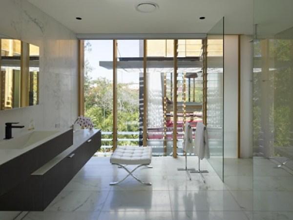 baño-moderno-casa-Taringa-Loucas-Zahos-arquitects