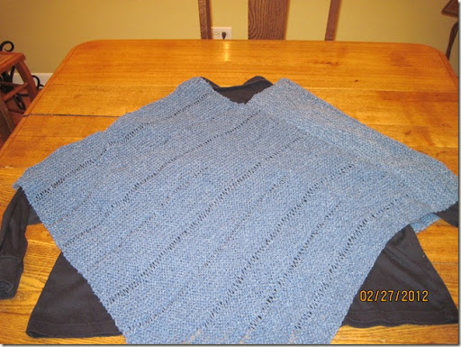knitted poncho 002