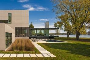 fachada-casa-minimalista-Robert-Gurney-Arquitecto