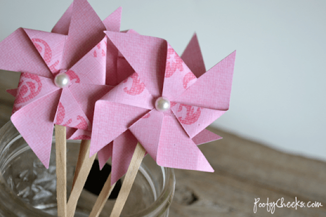 Pinwheel & Pearl Cupcake Topper Tutorial by Poofy Cheeks