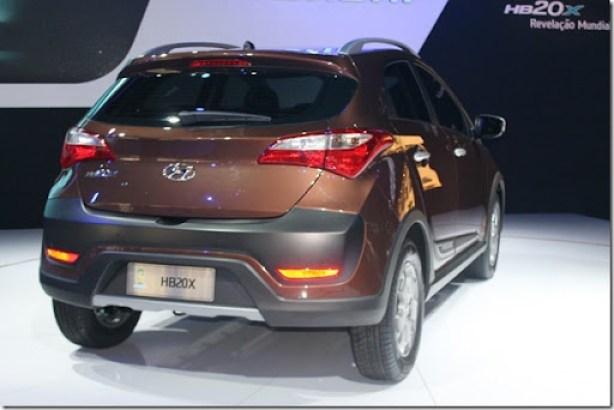 Hyundai HB20X (3)