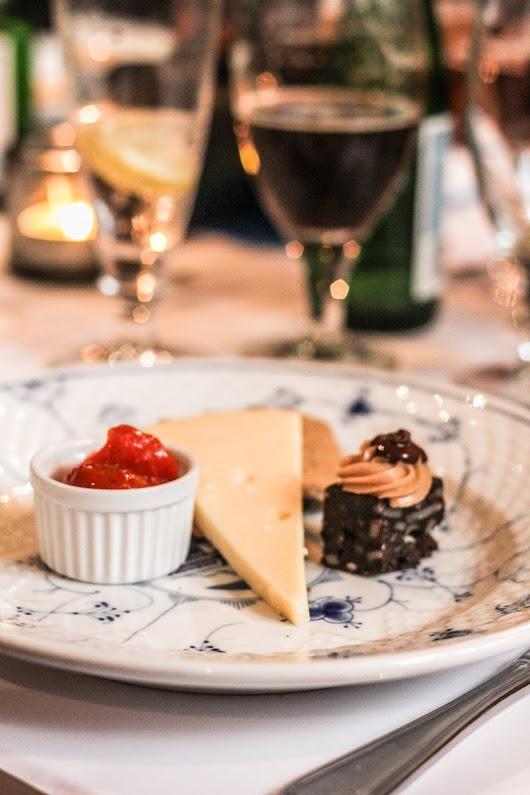 Høost, hybenmarmelade og brownie på Restaurant Kronborg - Mikkel Bækgaards Madblog
