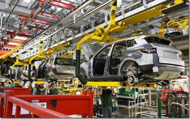 The-Range-Rover-Evoque-Trim-and-Final-Assembly-In-Halewood-UK-01