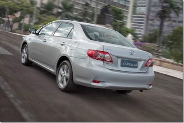 Novo-Toyota-Corolla-2012-2[3]