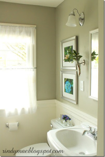 Saturn Gray Bathroom III