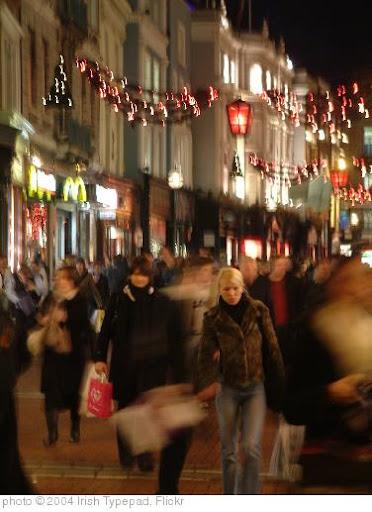'Christmas Rush in Dublin' photo (c) 2004, Irish Typepad - license: http://creativecommons.org/licenses/by-sa/2.0/