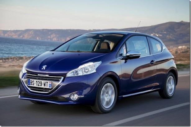 Peugeot-208_2013_1600x1200_wallpaper_01