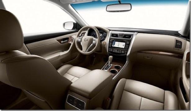 2013-Nissan-Altima-Sedan-4[5]