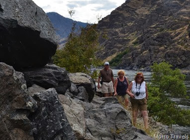 hiking to the pictographs in Hells Canyon
