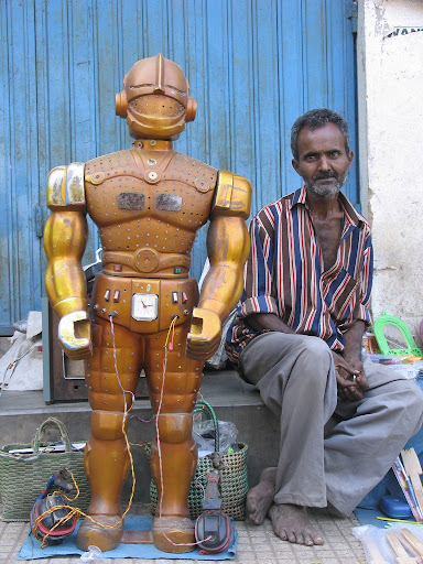 fortune-telling-robots-3