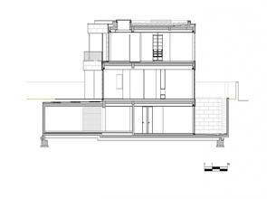 corte-plano-Casa-moderna-L02CR-de-ARQX-Architects