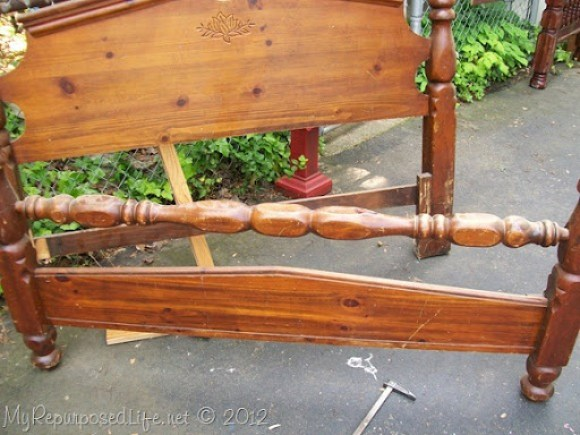 repurposed headboard into bench (4)