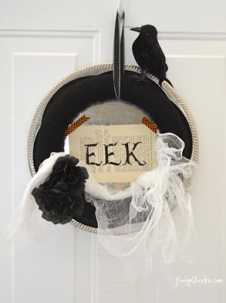 Spooky Halloween EEK Wreath #Halloween