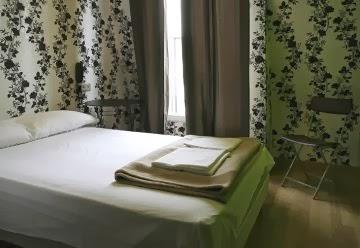 oops-design-hostel-paris-2.jpg