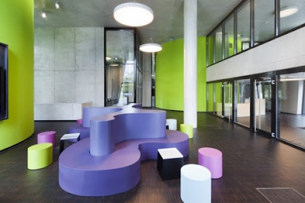 Interior-Biblioteca-Médica-OASE-en-Düsseldorf-Alemania