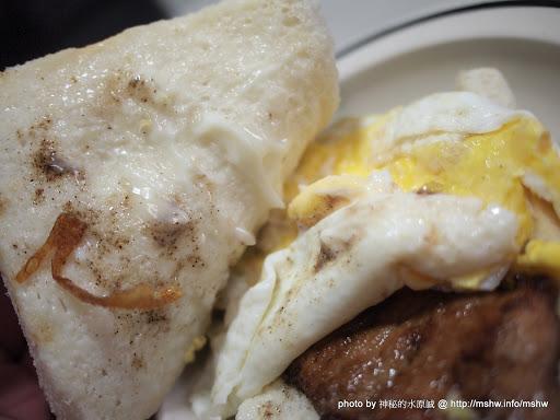 """人多到滿出來味道卻很普通! ~ 台中""""肉蛋中西式早餐店"""" 中式 區域 台中市 早餐 早點類 西區 豬排 輕食 飲食/食記/吃吃喝喝"""