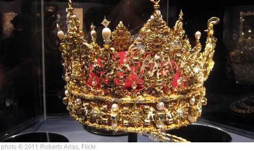 'Crown Jewels' photo (c) 2011, Roberto Arias - license: http://creativecommons.org/licenses/by-nd/2.0/