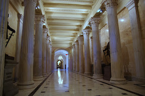 The Hall of Columns, this is where we came in.