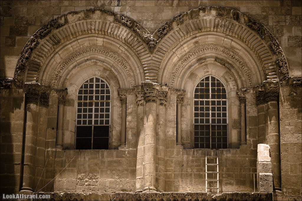 Недвижимая лестница в Храме Гроба Господня