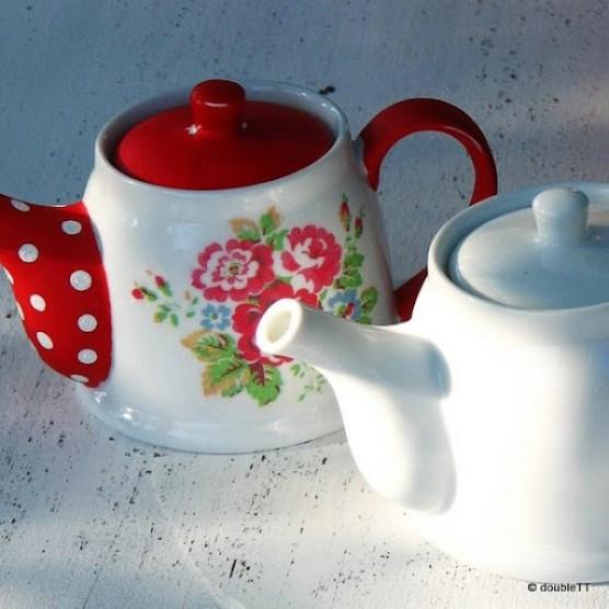 kolekcija polka dots and roses in red - čajnik