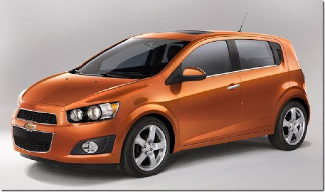 Chevrolet-Sonic_2012_1024x768_wallpaper_03