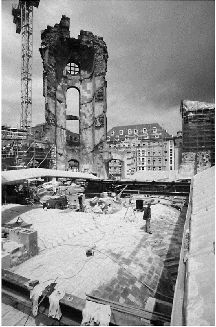 Начало реставрации церкви Девы Марии в Дрездене