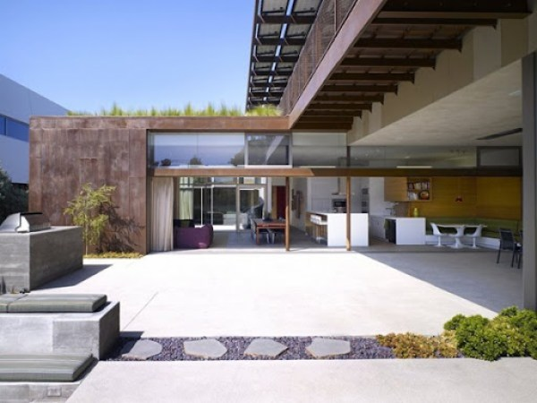 casa-moderna-materiales-reciclados