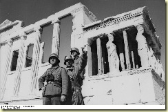 Bundesarchiv_Bild_101I-164-0368-14A,_Griechenland,_deutsche_Soldaten_in_Athen